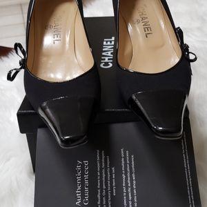 Chanel size 381/2 black heels